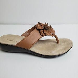 Croft & Barrow sandals tan color size 6 .